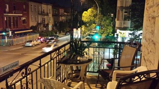 St. Urbain Caddesi ve Balkonumuz